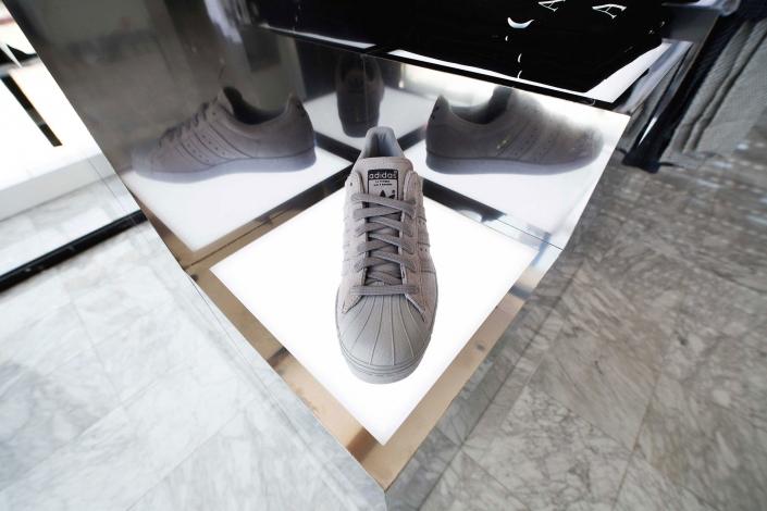 Shoe Palace Retail Fixtures